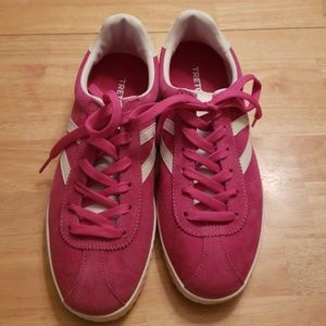 Tretorn pink sneakers new size 9